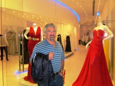Saudi Arabia, Borya in Dhahran mall 2