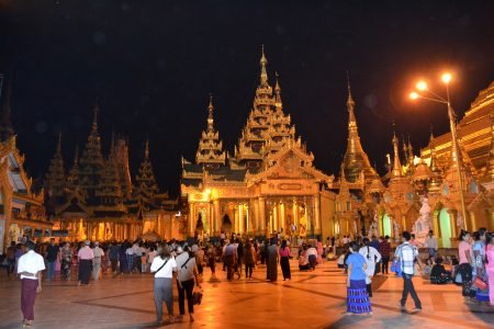 Shwedagon Pagoda at night 15